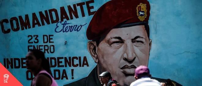 Lorsqu'il a accédé au pouvoir, en 1999(après une tentative de coup d'État ratée en 1992), Chávez a entamé une série de réformes importantes eta nationalisé rapidement plusieurs secteurs de l'économie. Il s'est même arrogé le droit de légiférer par décret, court-circuitant ainsi la chambre législative restante.