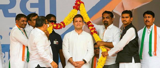 Réunion électorale de Rahul Gandhi, à la tête du Parti du congrès, à Asarana, à environ 300 kilomètres d'Ahmenabad.