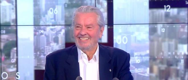 Alain Delon différencie les « comédiens exceptionnels », comme  Jean-Paul  Belmondo, des acteurs accidentels comme Jean Gabin ou lui.