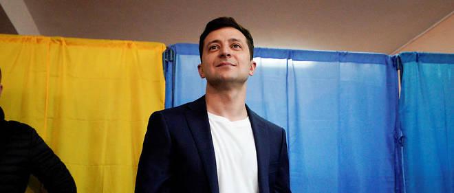 Moins de quatre mois après être entré en politique Volodymyr Zelensky a imposé une cuisante défaite au président sortant Petro Porochenko.