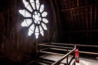 La charpente de Notre-Dame avant sa destruction par le feu. Selon «Le  Canard enchaîné» , le plan incendie n'était pas respecté.