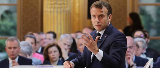 Emmanuel Macron, face aux journalistes, lors de sa conférence de presse du 25 avril.