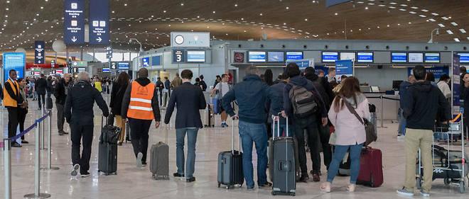 Bientôt des balances dans le hall de l'aéroport Charles-de-Gaulle ?