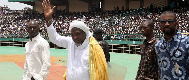 Depuis une dizaine d'années, Mahmoud Dicko, 64 ans, ne s'est pas privé de donner son avis, devenant l'un des hommes les plus influents du pays.