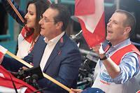 Heinz-Christian Strache (en costume) a fait monter l'extrême droite autrichienne dans les urnes.