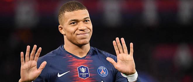 Selon ce livre,le jeune attaquant touche 20,7 millions d'euros brut par an au PSG.