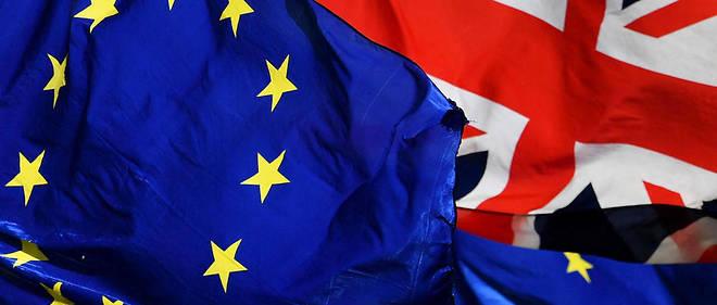 Le Royaume-Uni devait à l'origine quitter l'Union européenne le 29 mars, mais a dû reporter deux fois la date du départ, faute de soutien des députés britanniques à l'accord de Brexit conclu en novembre entre Londres et Bruxelles.