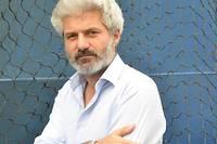 <pre>Le prix Goncourt 2004 a mis sa plume au service de cette Europe dans « Nous, l'Europe, banquet des peuples » (Actes Sud), qui sera mis en scène au Festival d'Avignon 2019.<br /></pre>