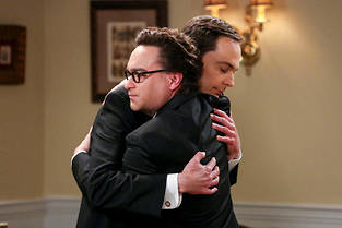 Sheldon Cooper et Leonard Hofstadter dans la saison 11 de « The Big Bang Theory ».