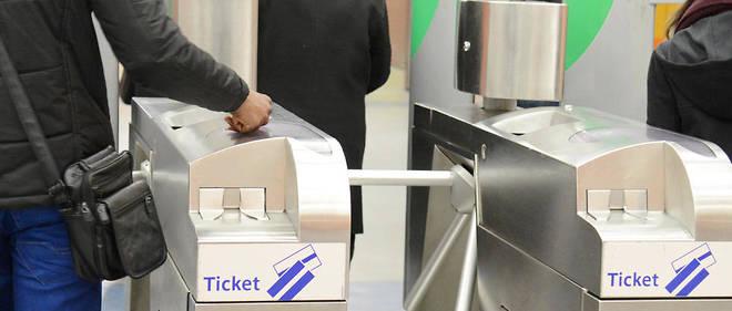 Cette nouvelle offre entre dans l'objectif d'Île-de-France Mobilités, annoncé en 2016, de faire disparaître le ticket de métro en carton d'ici 2021