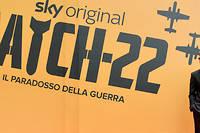 La miniserie adaptee du roman-culte de Joseph Heller  Catch-22  est diffusee sur Canal+ a partir du jeudi 23 mai