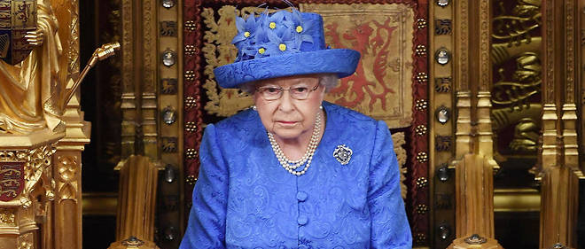 Il y a un an, la reine d'Angleterre publiait sa première photo sur Instagram.