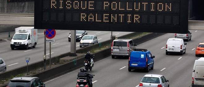 Sur le modèle des alertes pollution (ici à Paris), Villeneuve-Loubet va inciter ses administrés à lâcher leur voiture