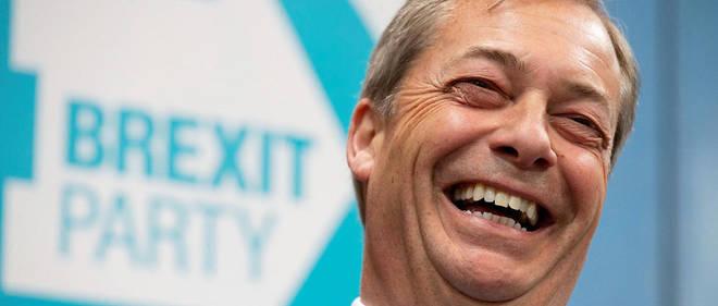 Nigel Farage tout sourire. Son parti « Brexit » est en tête des sondages.