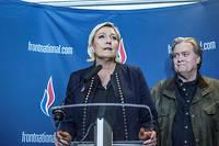 Marine Le Pen et Steeve Bannon.