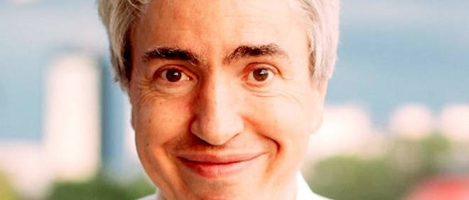 """Olivier Szulzynger est le créateur de la série """"Un si grand soleil"""" sur France 2. Il est aussi l'un des coauteurs du feuilleton """"Plus belle la vie""""."""