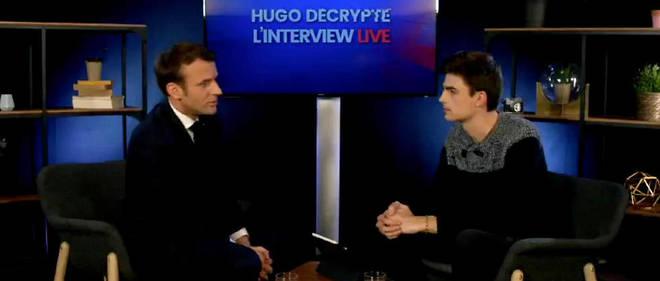 Hugo Travers interroge le président de la République.