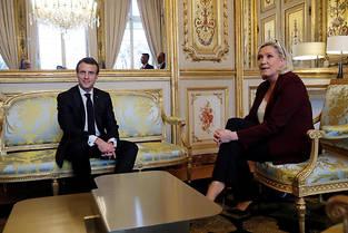 <p>Emmanuel Macron et Marine Le Pen à l'Élysée le 6 février 2019.</p>