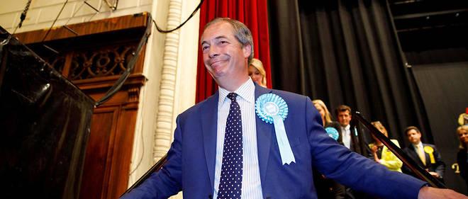 Nigel Farage tout sourire après les résultats.