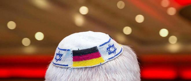 La décision répond à la mise en garde du commissaire allemand chargé de l'antisémitisme sur le port de la kippa en Allemagne.