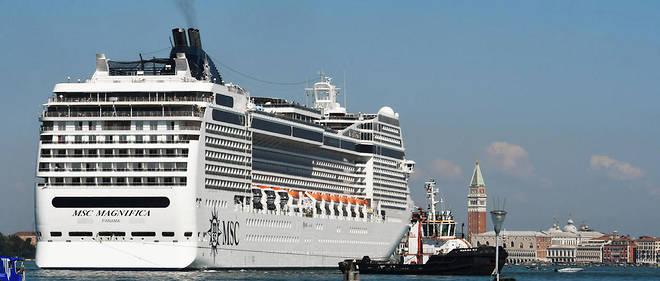 Le bateau de croisière géant a heurté le quai et un autre bateau dans la lagune de Venise, faisant quatre blessés, dimanche 2 juin.