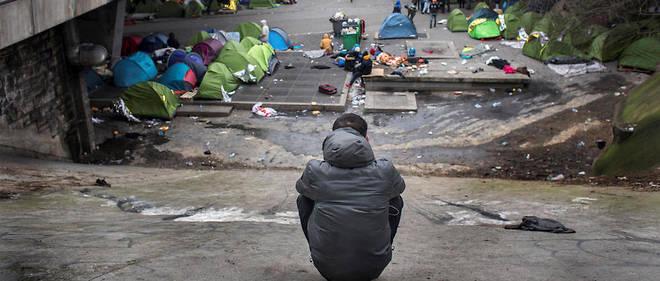 La France pratique des expulsions forcées dans 70 à 80 % des reconduites à la frontière.