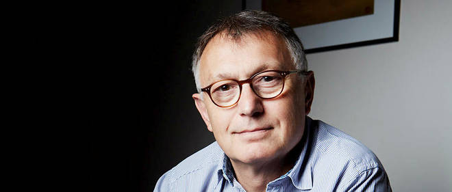 L'écrivain Patrick Besson, chez lui à Paris.