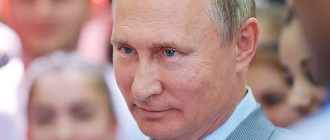 Vladimir Poutine a relativisé l'importance de son absence en Normandie.