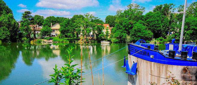Ilot.  Bords-de-Marne, le quartier chic de la commune de Créteil (Val-de-Marne).  ©Emile LUIDER/REA