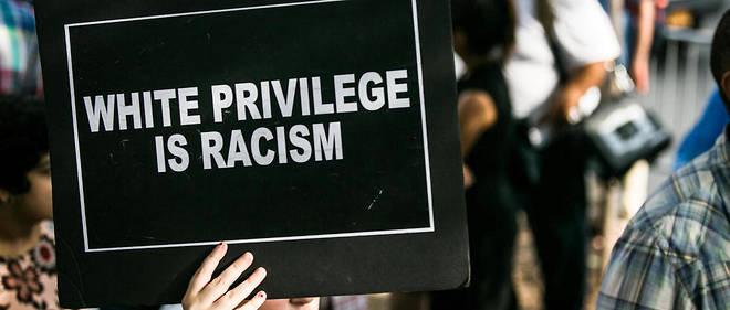 Demander aux Blancs de confesser publiquement leur privilège blanc – et d'autant plus dans ce qui ressemble fortement à des rituels religieux – peut nous inciter à uniformiser l'expérience des Blancs tout en ignorant, et c'est là une tragique ironie, les défavorisés. L'étude de Cooley montre qu'il ne s'agit pas que d'une crainte hypothétique, mais d'une réalité démontrée expérimentalement.