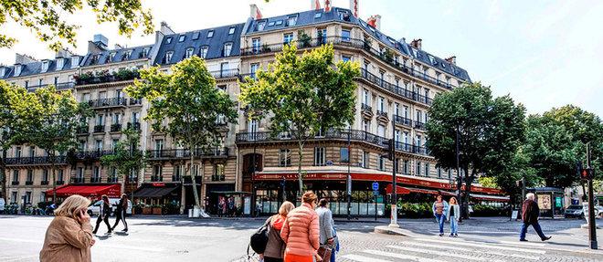 Place des Ternes, dans le 17 e arrondissement.  ©Emile LUIDER/REA