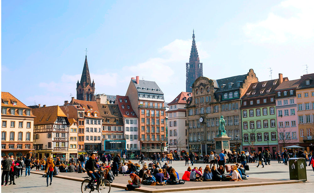 Au top. Pionnière de la mobilité durable, en tête du classement général, Strasbourg sedistingue par son positionnement frontalier et sa qualité de vie.