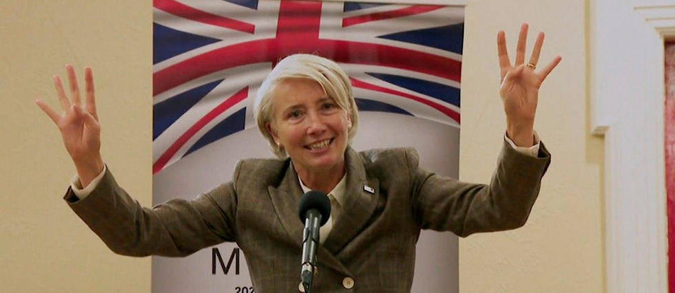 <p>Emma Thompson dans Years and Years</p>