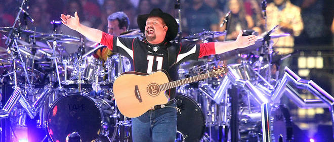 Garth Brooks en concert à Glendale (Arizona), le 23 mars.