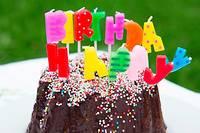 <p>La chanteuse Mariah Carey a eu vent de l'affaire et a souhaité un joyeux anniversaire sur Twitter à la jeune femme.</p>