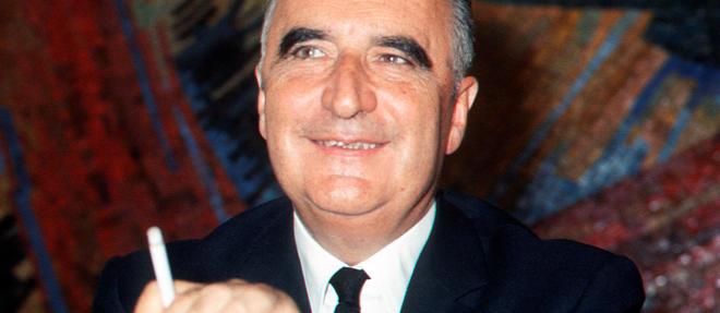 Georges Pompidou, en campagne pour l'élection présidentielle, s'exprime devant la presse en mai 1969.