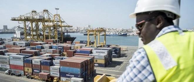 Au Sénégal, l'évolution du statut des dockers dit beaucoup de choses sur  l'entrée effective du port de Dakar dans une certaine mondialisation.