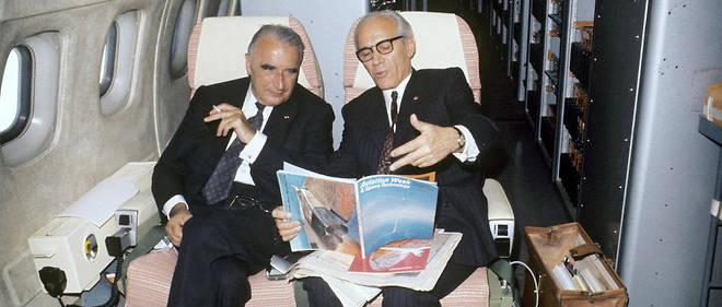 Mai 1971. Georges Pompidou à bord du Concorde en compagnie d'Henri Ziegler, président d'Airbus Industries.