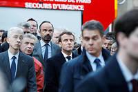 Emmanuel Macron et Édouard Philippe devant Notre-Dame le soir de l'incendie.