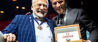 Buzz Aldrin et Raynald Aeschlimann sur scène lors du festival Starmus.  ©Max Alexander