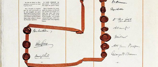 Original du traité de Versailles signé par LloydGeorge (Premier ministre britannique), Vittorio Orlando (président du Conseil italien), GeorgesClemenceau (président du Conseil français) et Woodrow Wilson (président des États-Unis).