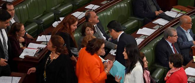 51 députés ont signé le recours sur les amendements de le loi électorale.
