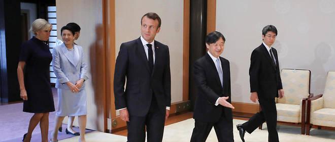 Emmanuel Macron réclame au passage moins de politique et plus d'industrie.