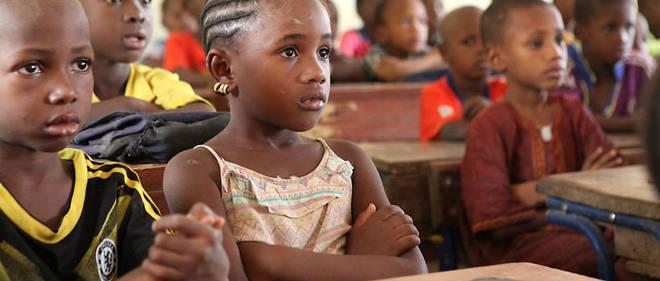 C'est sous des températures à la limite du supportable que nombre d'élèves nigériens vont à l'école.
