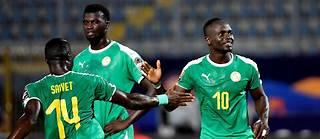Vainqueur du Kenya (0-3) grâce à un but de Sarr (63') et un doublé de Mané (71', 78'), le Sénégal se qualifie pour les huitièmes de finale de la compétition.
