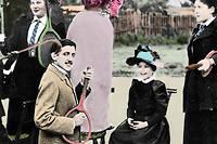 Marcel Proust au milieu d'un groupe de jeunes femmes, jouant de la guitare sur une raquette de tennis, au tennis du boulevard Bineau a Paris, en 1892.