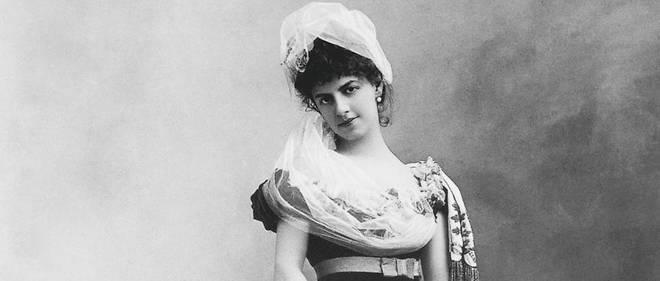 Élisabeth Riquet de Caraman-Chimay, comtesse de Greffulhe(1860-1952) photographiée par Nadar en 1883. Cette aristocrate et socialiste est l'un des modèles de la duchesse de Guermantes