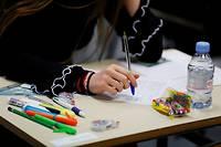 Des correcteurs refusent de communiquer les notes de leurs copies pour manifester leur opposition à la réforme du lycée et du bac.