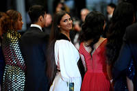 L'actrice Ophélie Bau s'est contentée de monter les marches à Cannes, mais elle ne s'est rendue ni à la projection ni à la conférence de presse le lendemain.