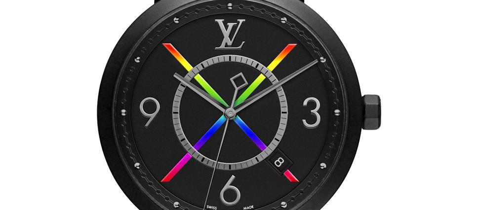 <p>La nouvelle Tambour Slim Rainbow se pare d'une boîte noire avec un revêtement en PVD.</p>